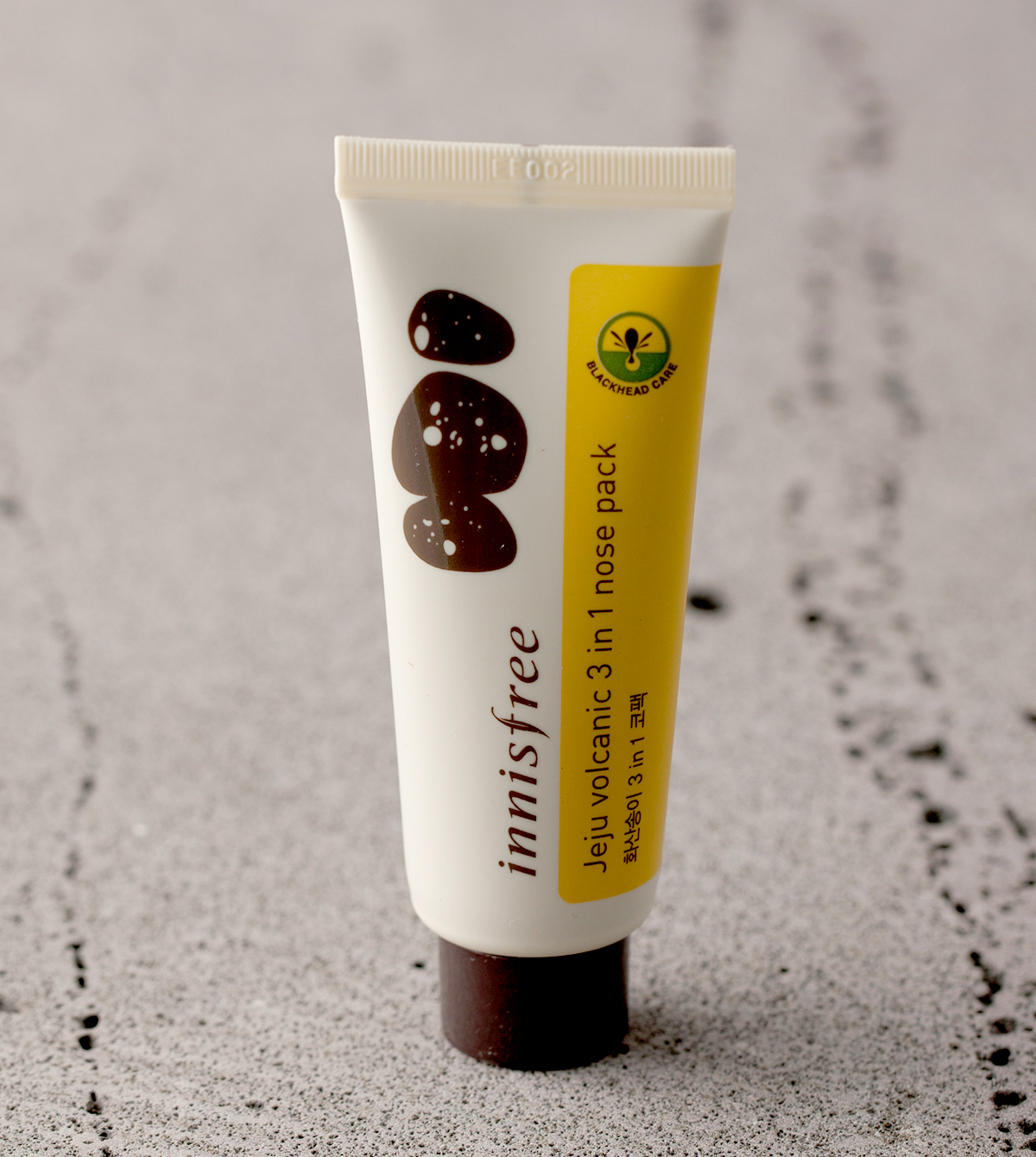 innisfree jeju volacnic 3 in 1 nose pack-1